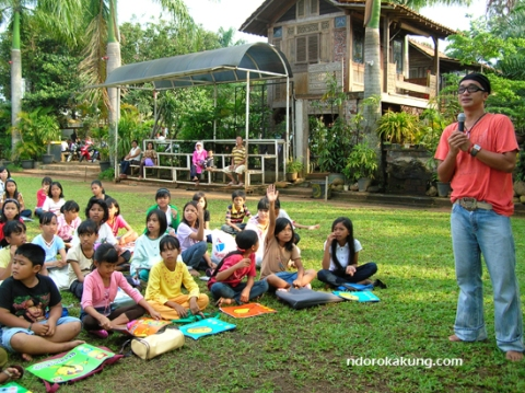 KANDANK JURANK | Suasana belajar di Komunitas Kreatifitas Kandank Jurank Doang