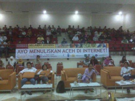 Suasana seminar dari atas panggung.